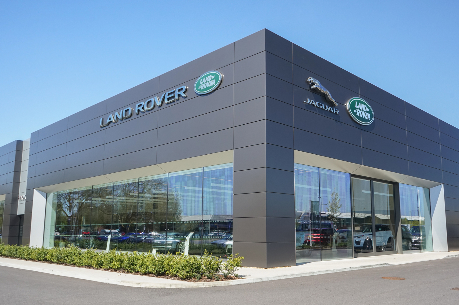 Land Rover Crawley