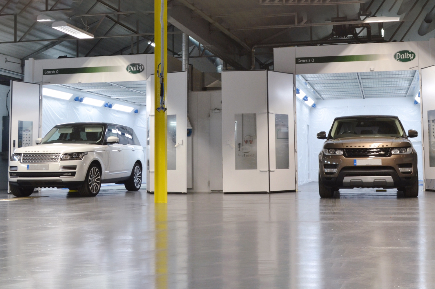 Land Rover Accident Repair Centre - Crawley